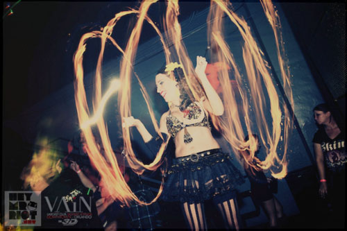 Fire Dancer - Flaming Poi Balls - Orldano
