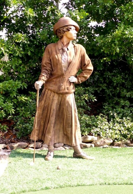 Bronze Lady Golfer living statue - Florida
